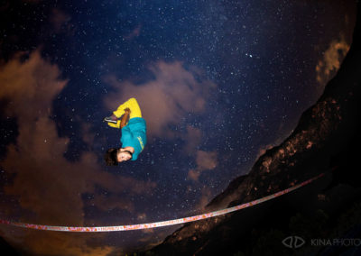 SlackLine Back Nuit Kina Photo